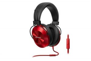 The Pioneer SE-MS5T headphones, a mid-range offering sound support in high resolution