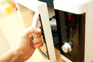 7 tricks that you did not know you could do with your microwave