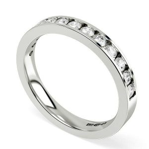 How to choose the precious metal for your diamond eternity ring